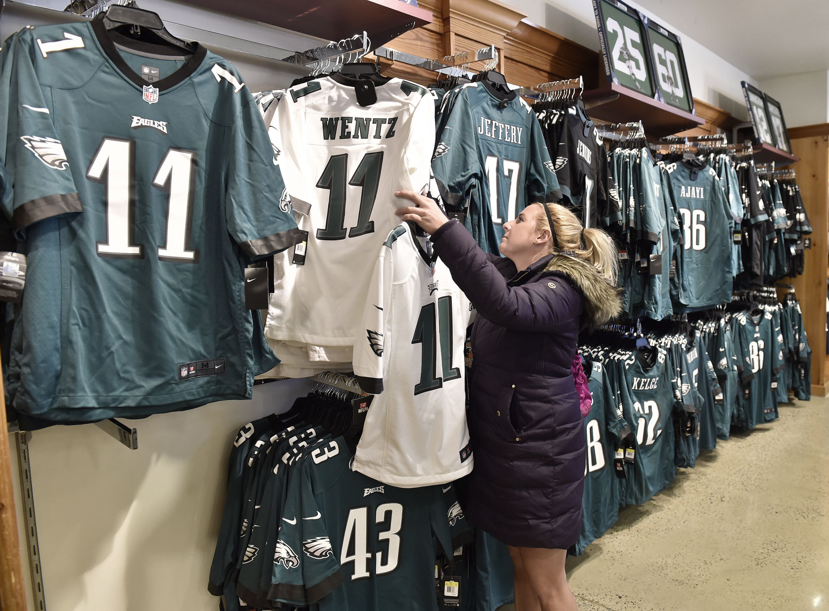 Wholesale Fans stock up on Eagles gear in Lancaster County to celebrate  for cheap
