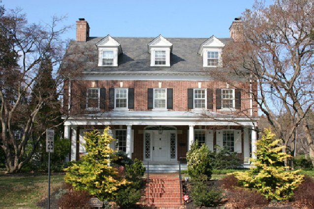 Timeless Style Colonial Revival Lifestyle