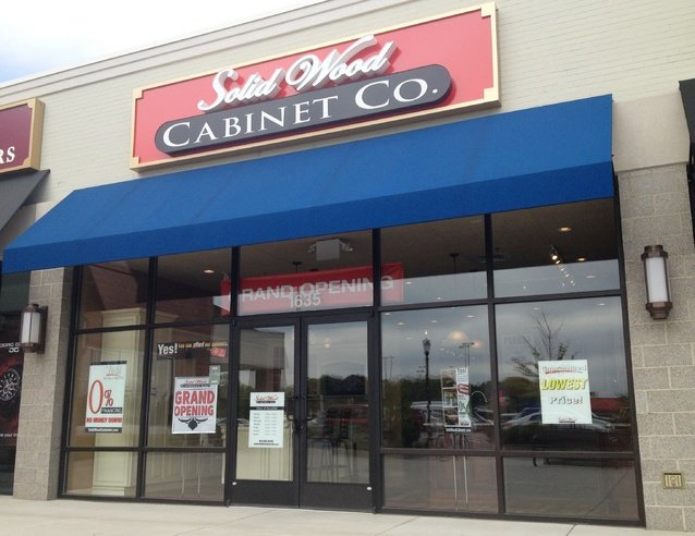 Solid Wood Cabinet Co. Opens In Lancaster Shopping Center