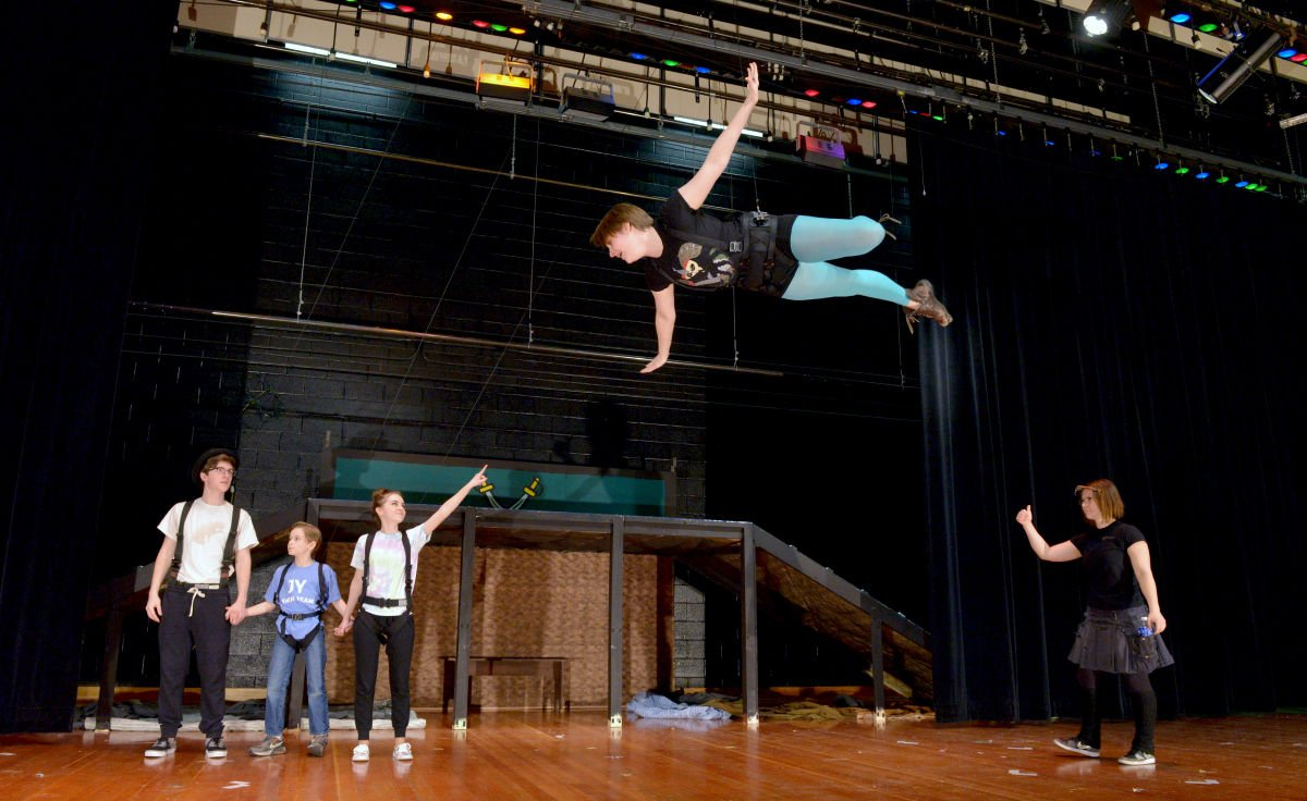 54fcbe522e499.image?resize=1200%2C736 solanco students flying high in practice for 'peter pan' local  at et-consult.org