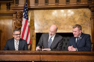 Lobbyist disclosure bill signing