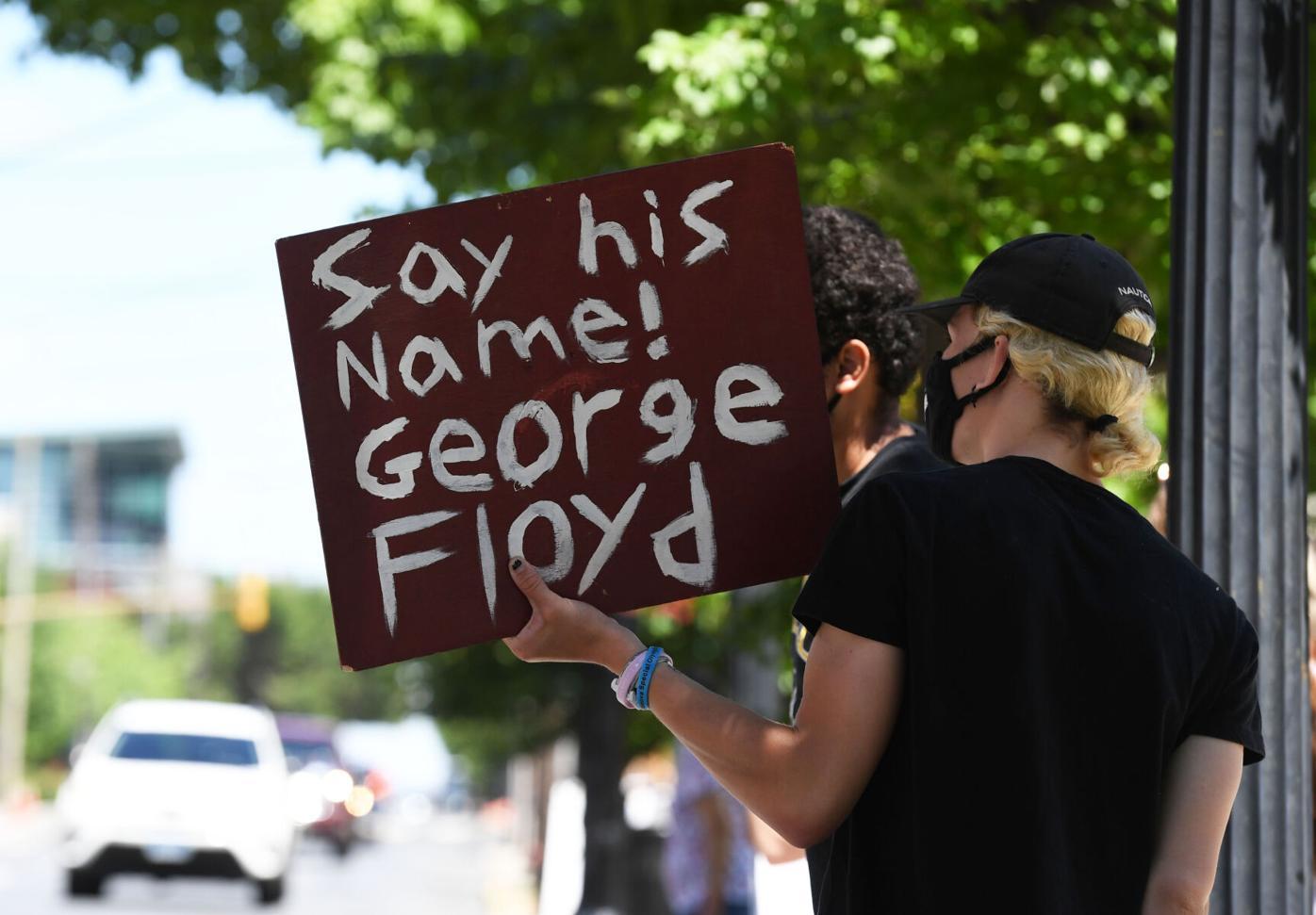 SundayProtest001.jpg