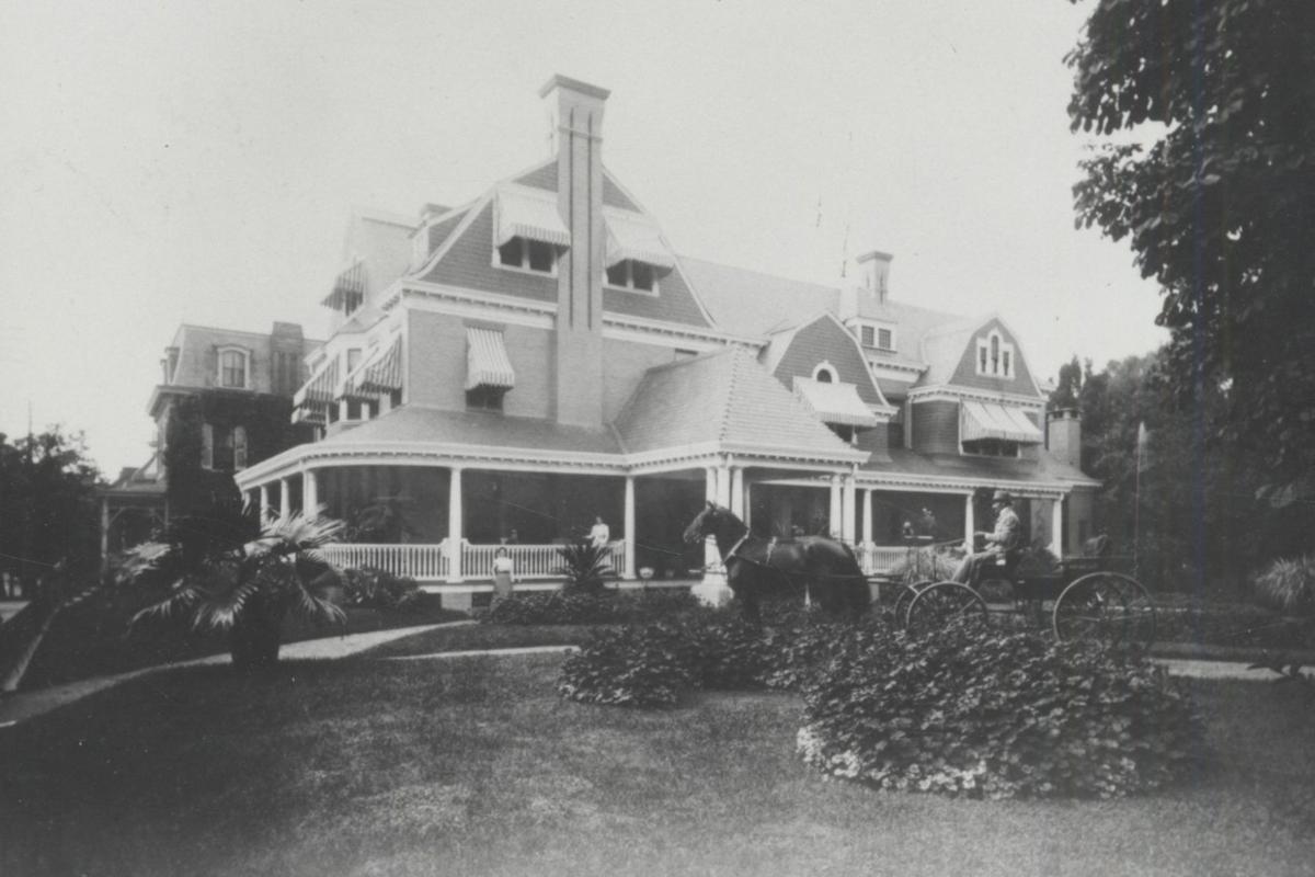 Milton Hershey Mansion 222 S Queen Street Lancaster PA 1890.jpg