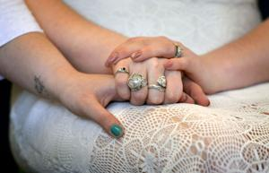 women wed 4