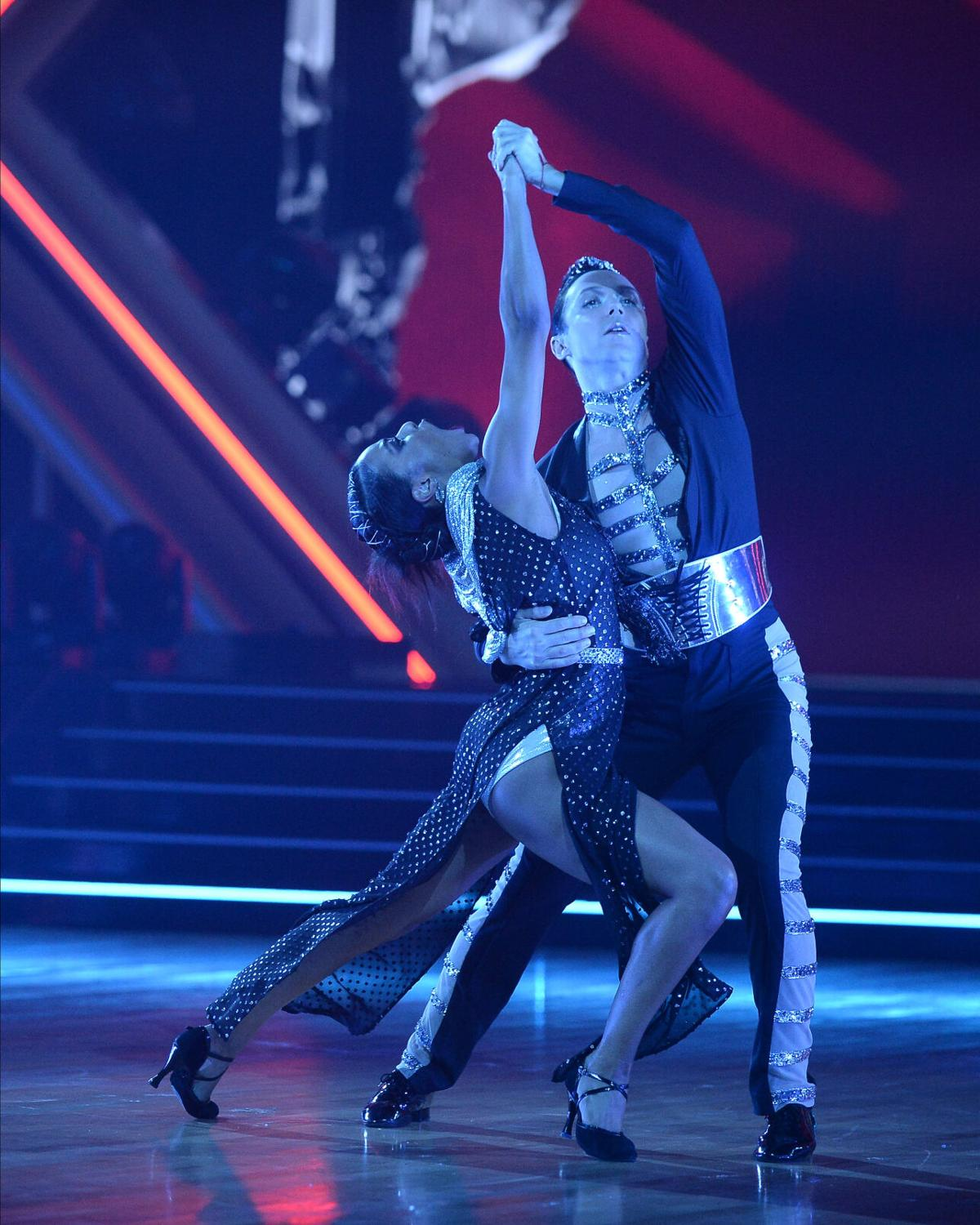 Johnny Weir and Britt Stewart tango DWTS 3