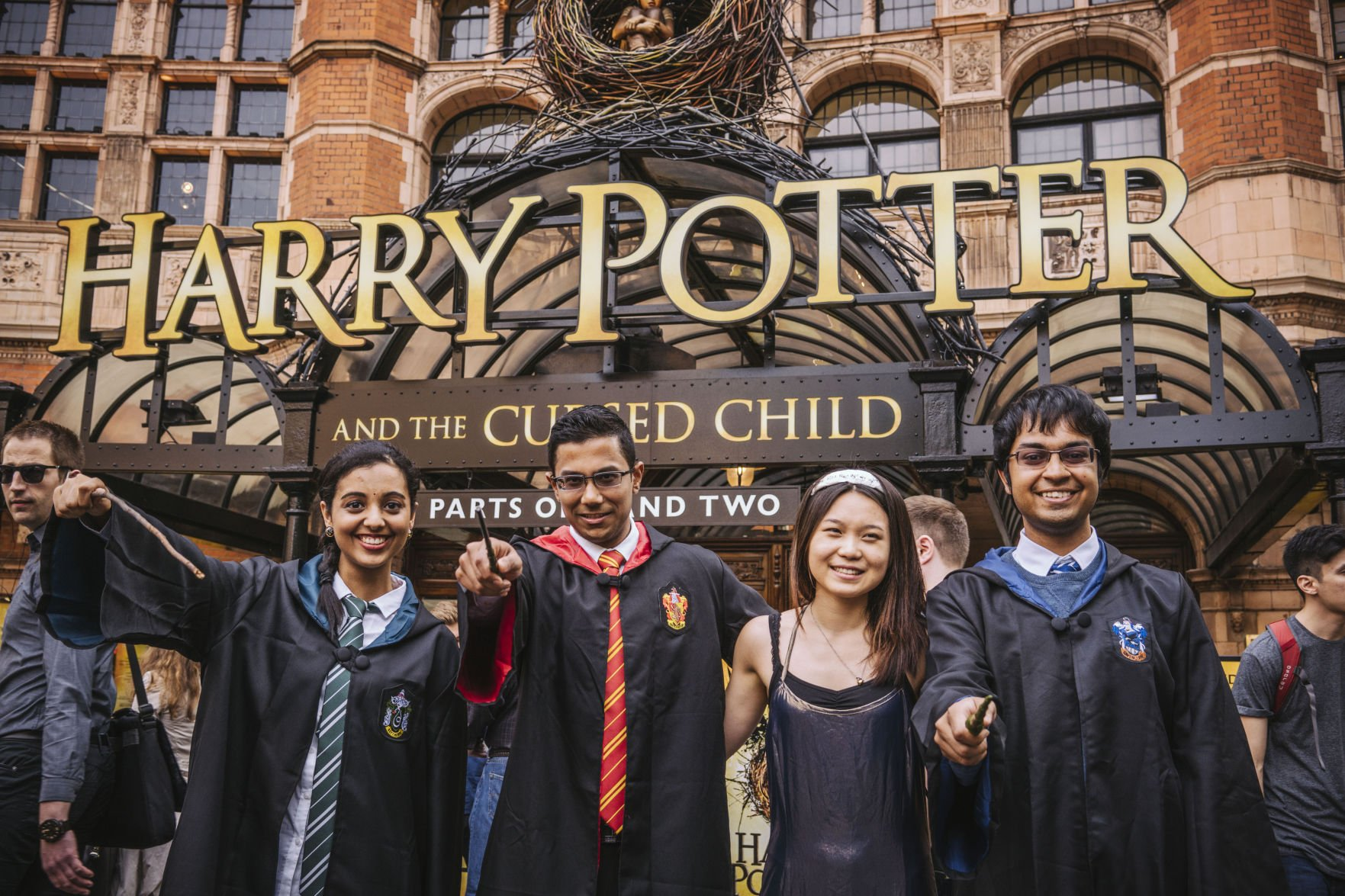 Harry Potter and the Cursed Child: Further 250000 tickets to be sold