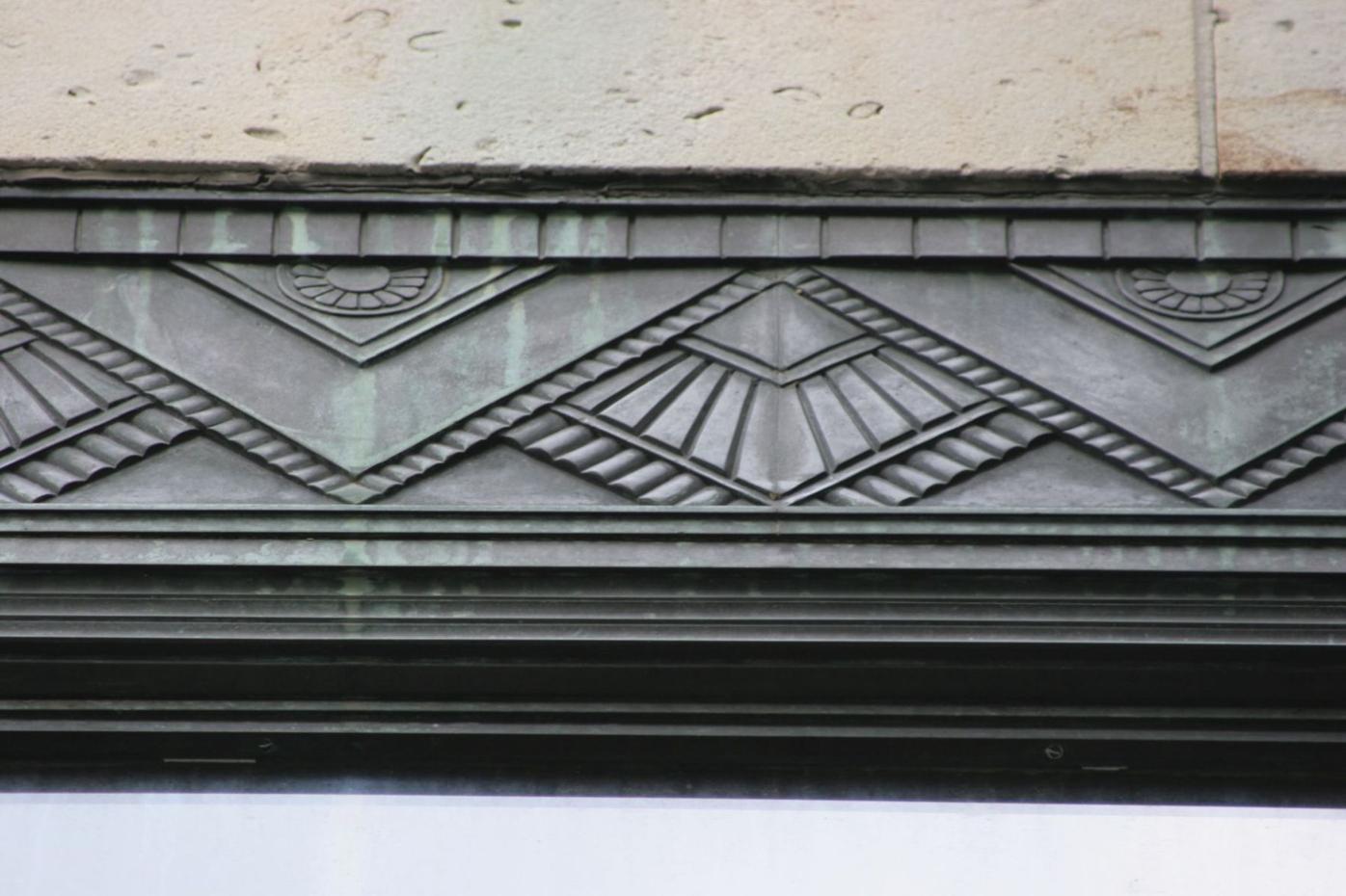 Zig Zag Schaub's bronze 2.jpg