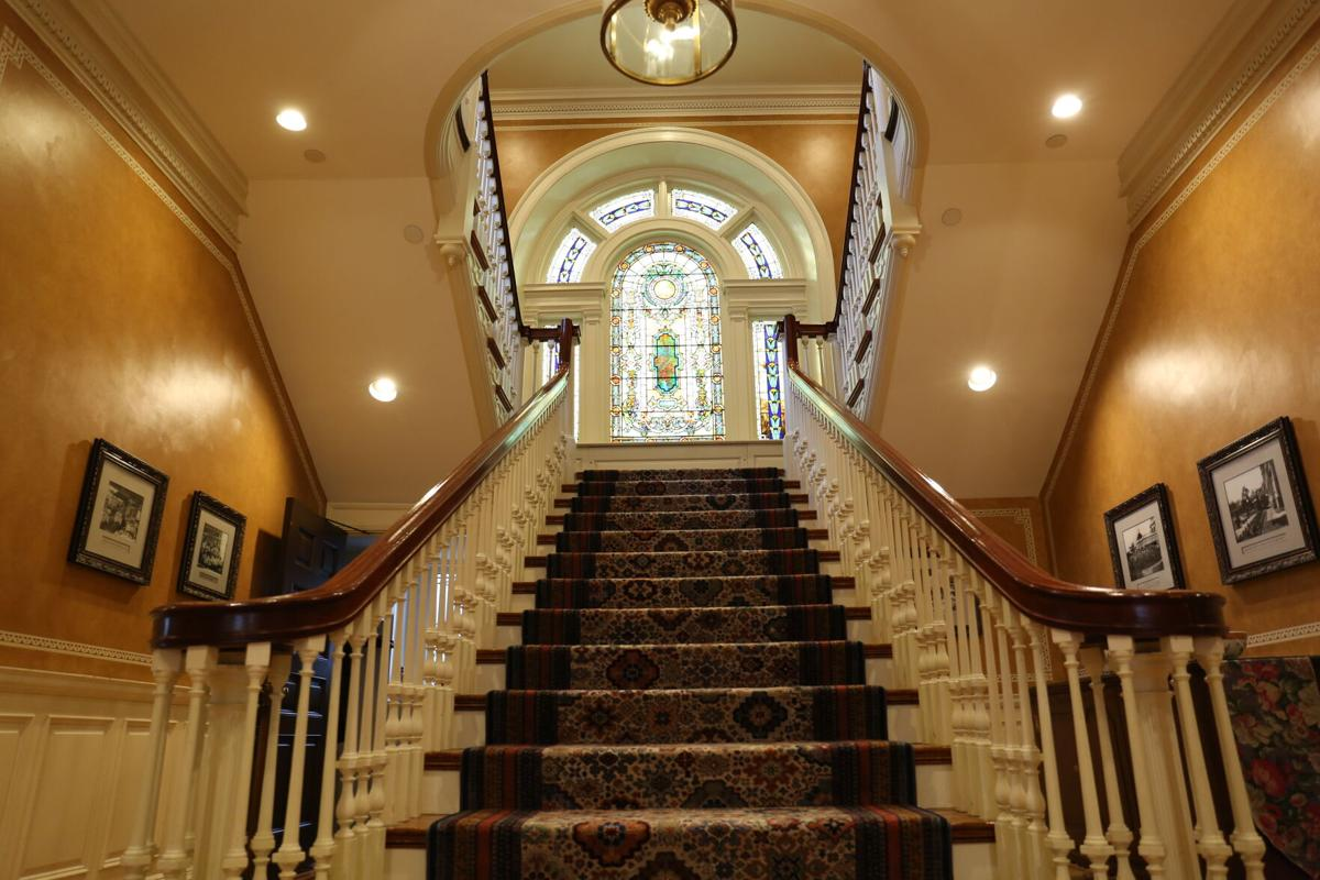 Liv Hershey Mansion 7 D20.jpg