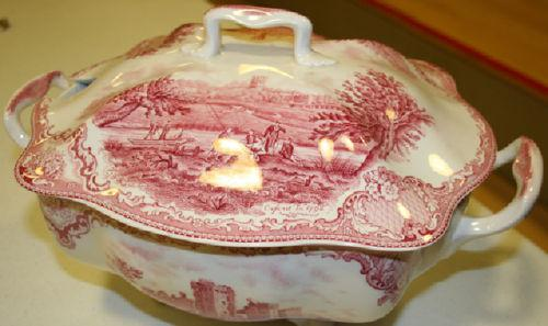 Is Grandma's china toxic? Tips for using holiday dinnerware