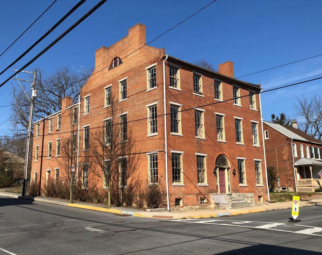 HG A13 Linden House Marietta PA c1814.jpg