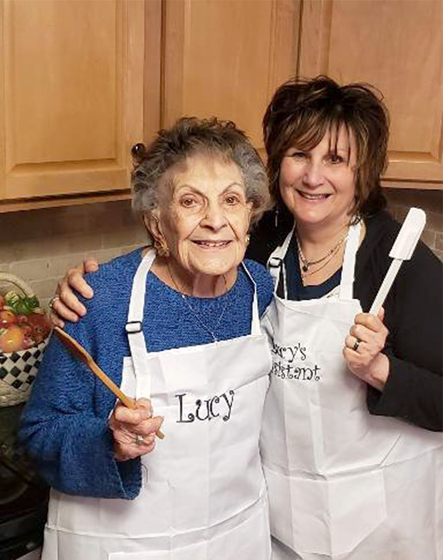 98-year-old celebrity cook releasing cookbook of favorite recipes