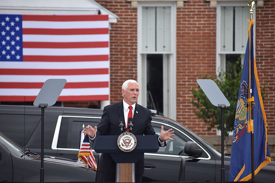 """VP Pence draws hundreds to """"Cops for Trump"""" rally in Greensburg"""