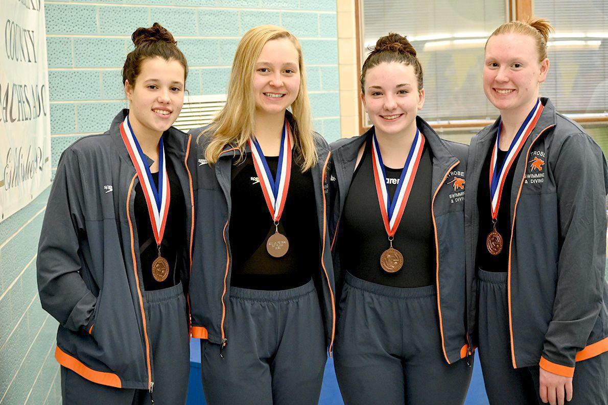 GL's 200 freestyle relay captures fifth place