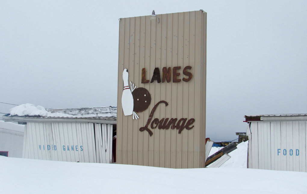 Snow Bowl [Bowling Alley], Steamboat Springs - 2090 Snow ...  |Bowling Alley Snow