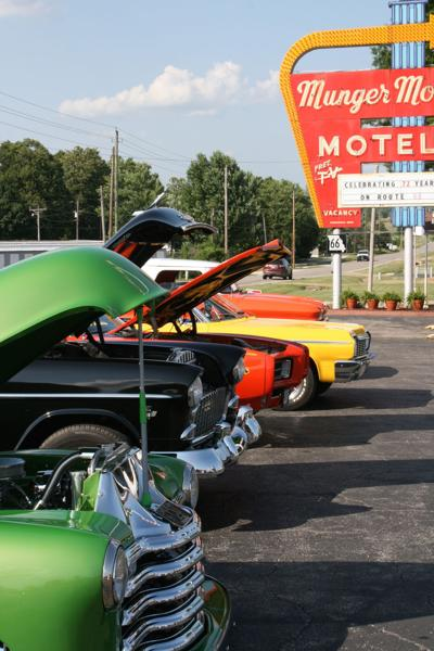 2018 Friday cruise-in at MM.jpg