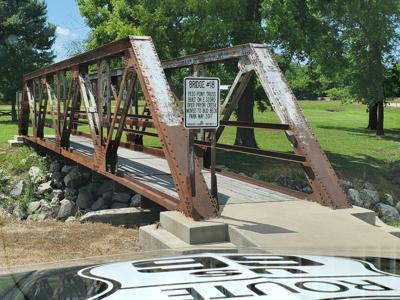 Bud Beck Park bridge