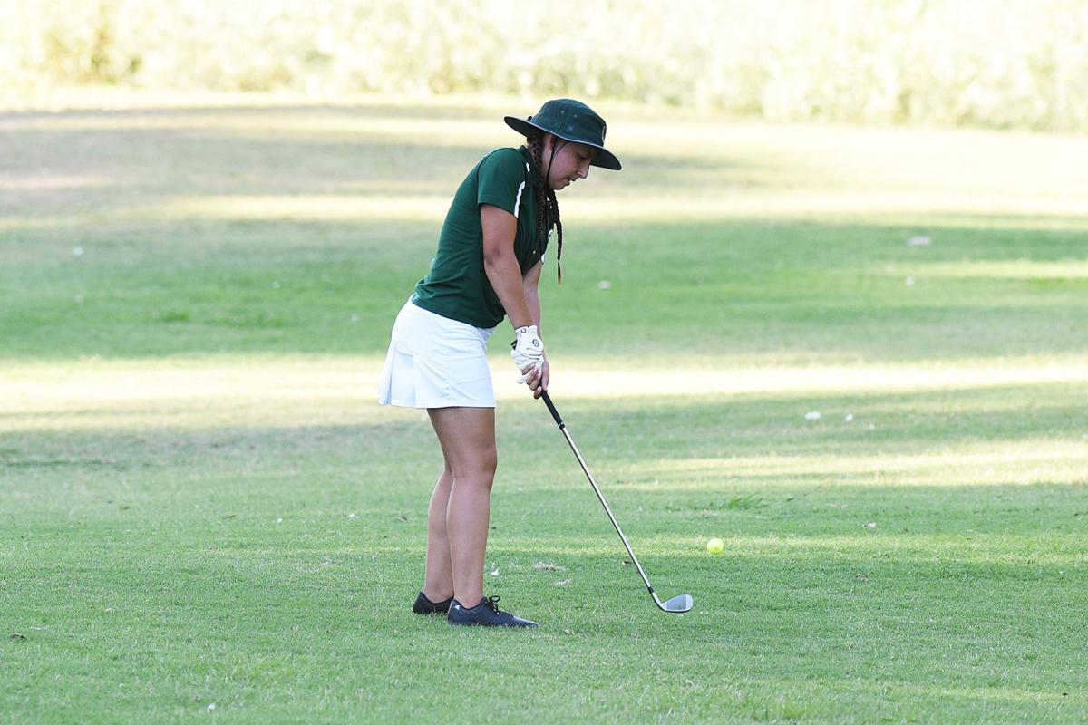 Bella Olivarria with the chip shot onto the green DSC_9739.jpg