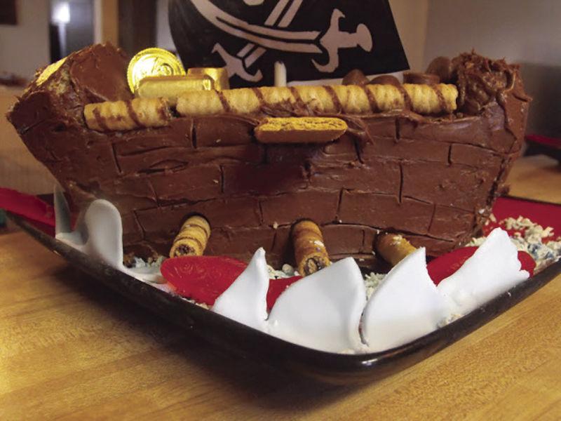 Hometown Cookingdiy Pirate Ship Birthday Cake Roots Ledgerws