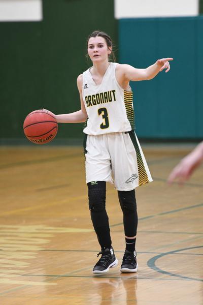 Sophia Davis directs the offense for Argonaut DSC_0080.jpg