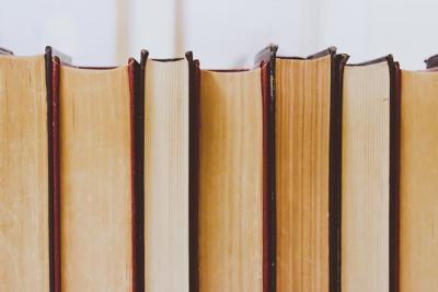 book-bindings-books-bookshelf-768125.jpg