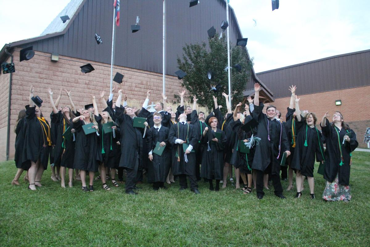 Silex grads throwing hats