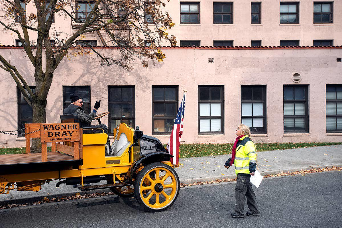 Lewiston parades its love for veterans