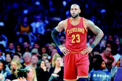 25fb4c15ff3 LeBron James brought his brief free agency to an end Sunday with the  announcement that he will sign with the Los Angeles Lakers.