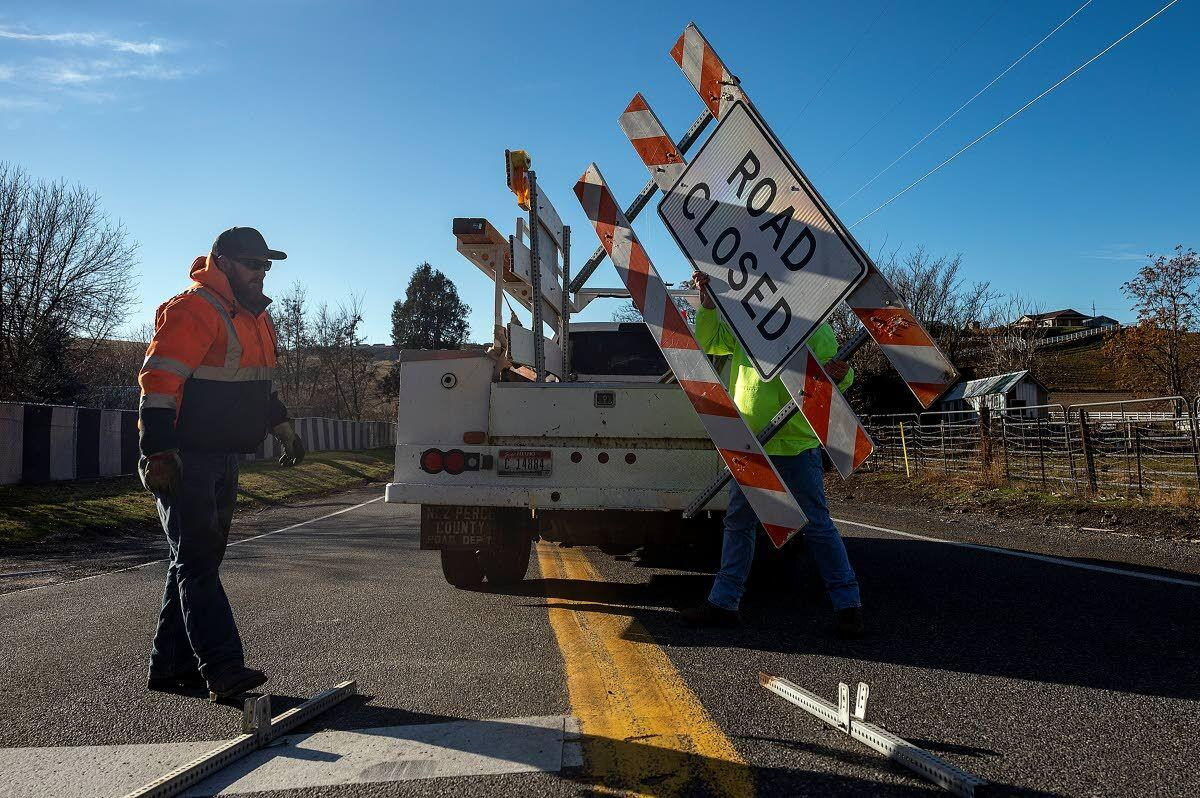 Power outages strike several towns in area