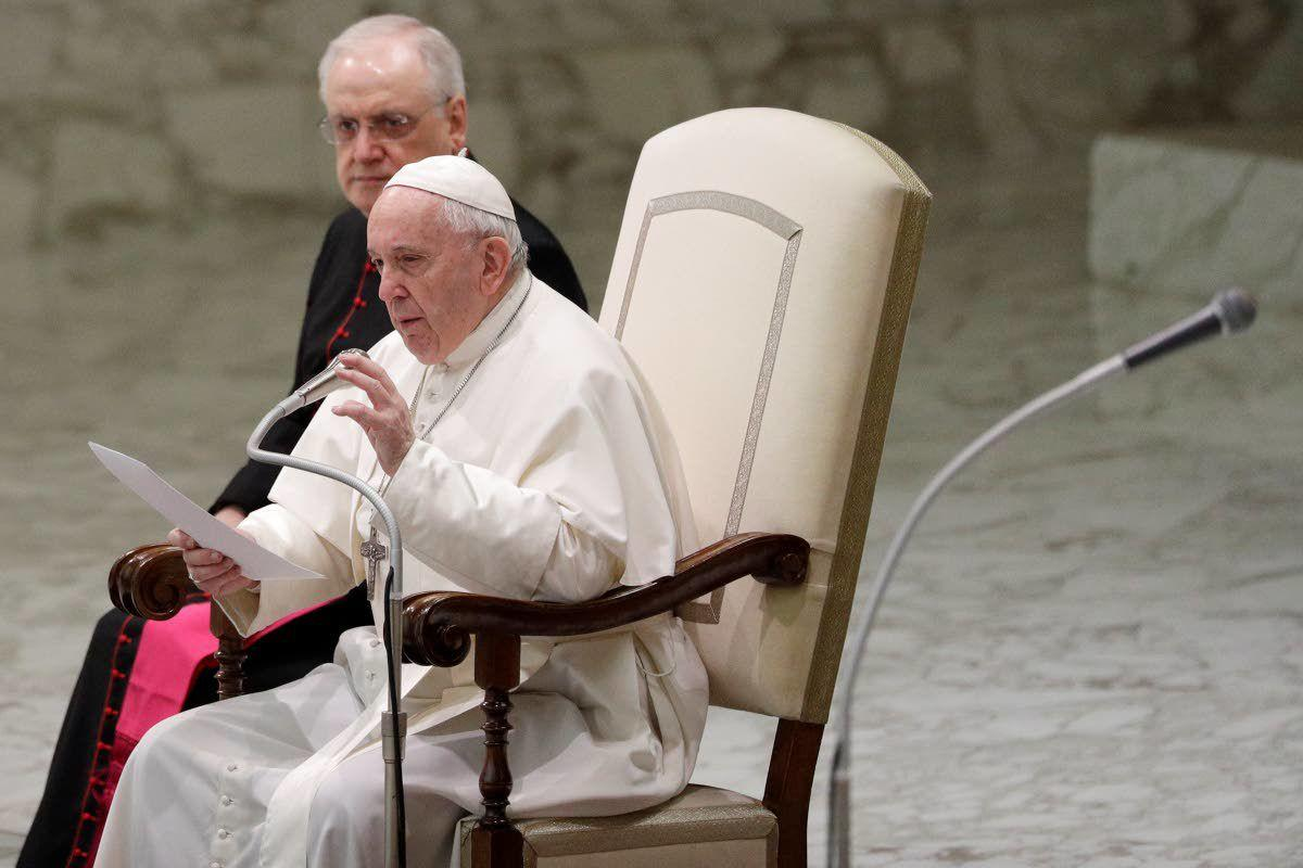 Pope doesn't back married priests or women deacons