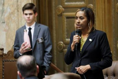 Ban on race-based hairstyle discrimination OK'd by House