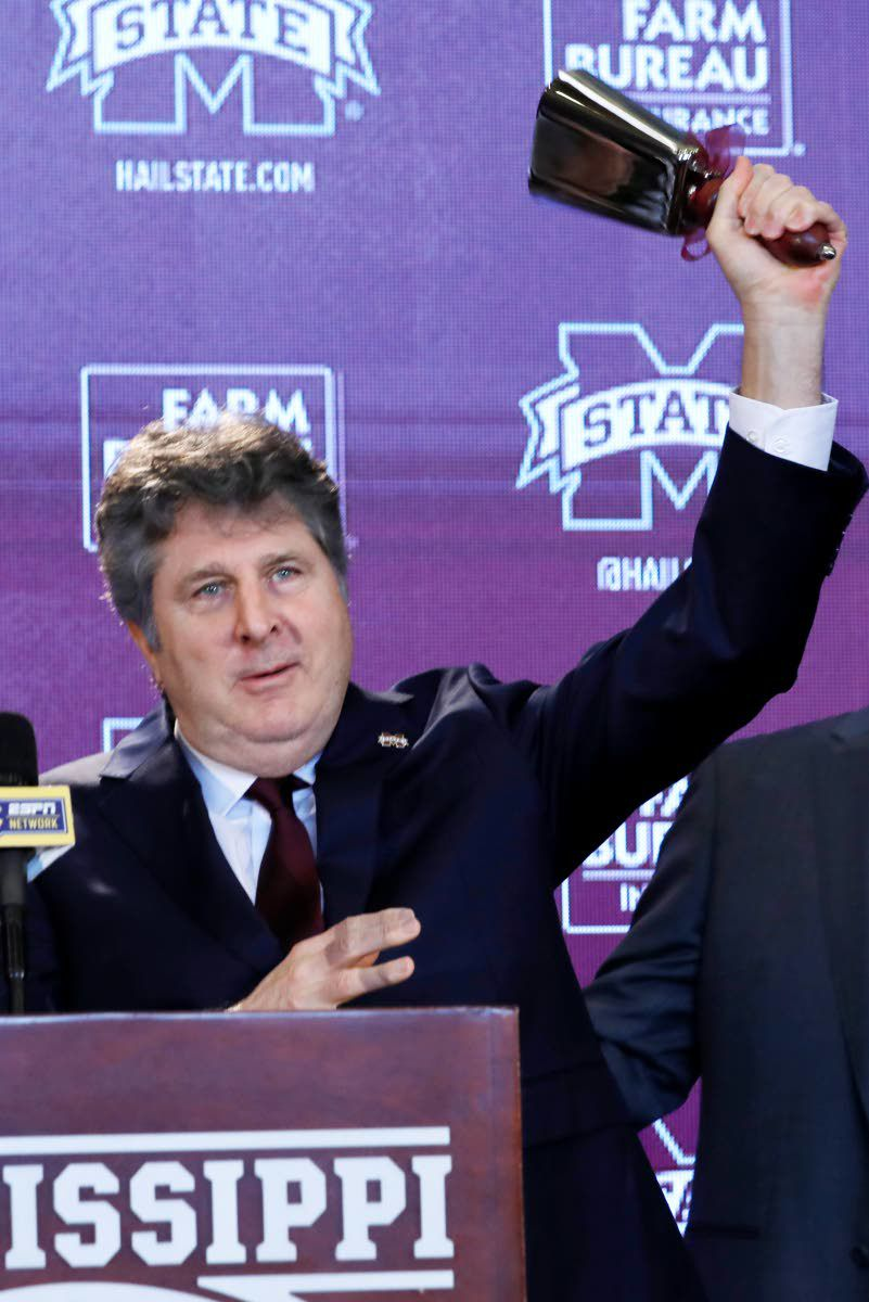 Leach goes old-school as he greets new one