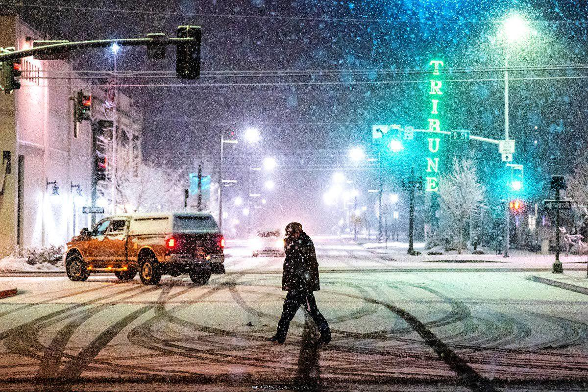 Snow storms the L-C Valley