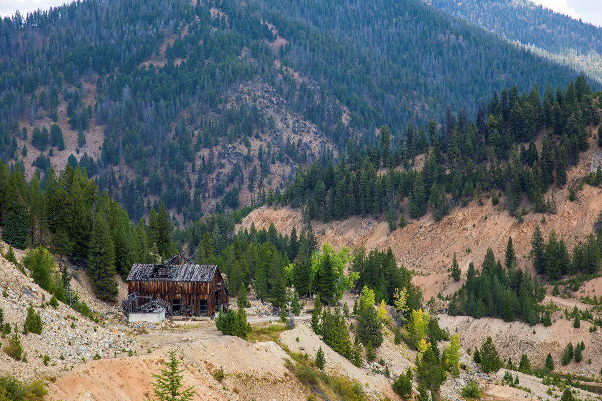 Mining company writing own environmental report