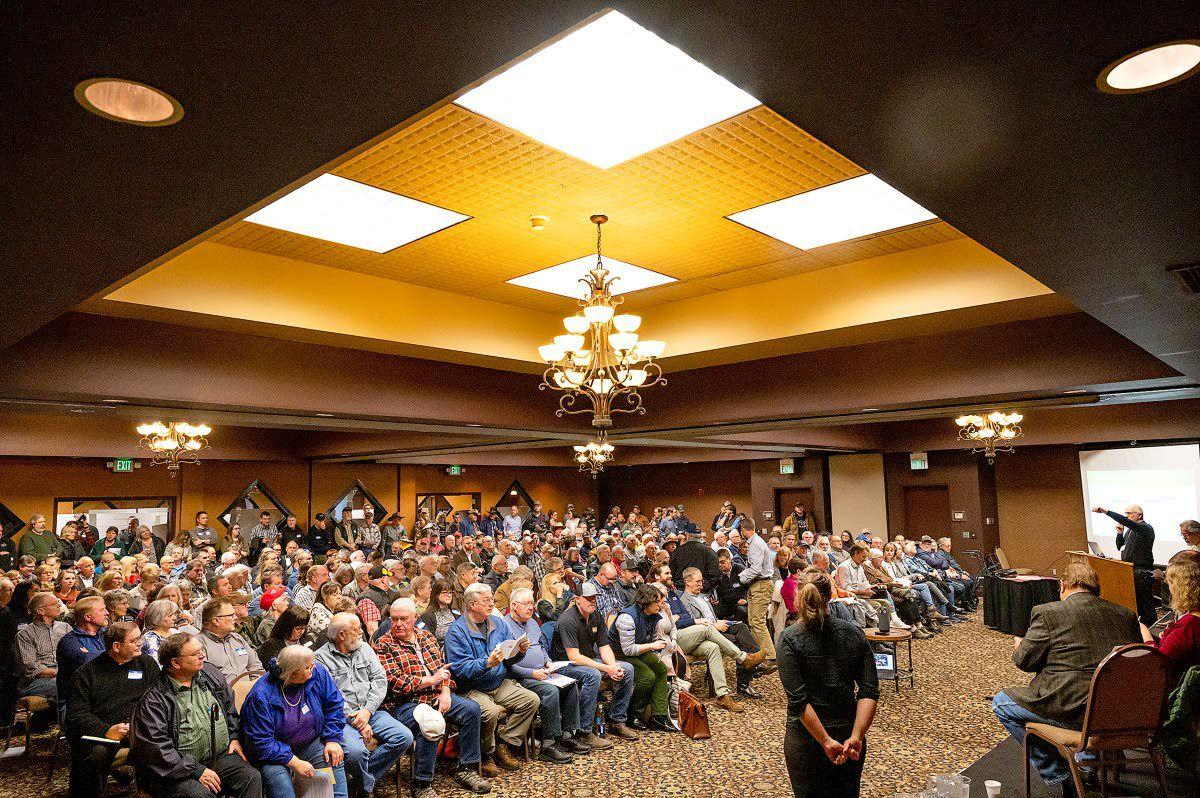 Discussion on dams draws crowd