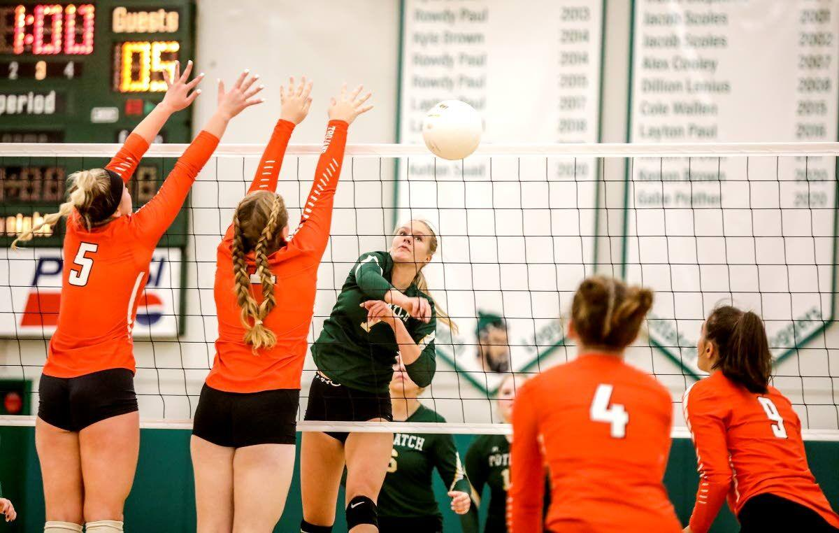 Trojans show they're still queens of the mountain