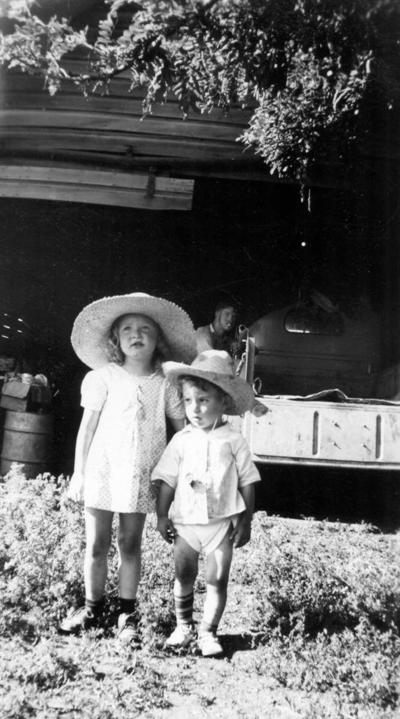 Blast from the Past / 1942: A couple of cousins in Gifford