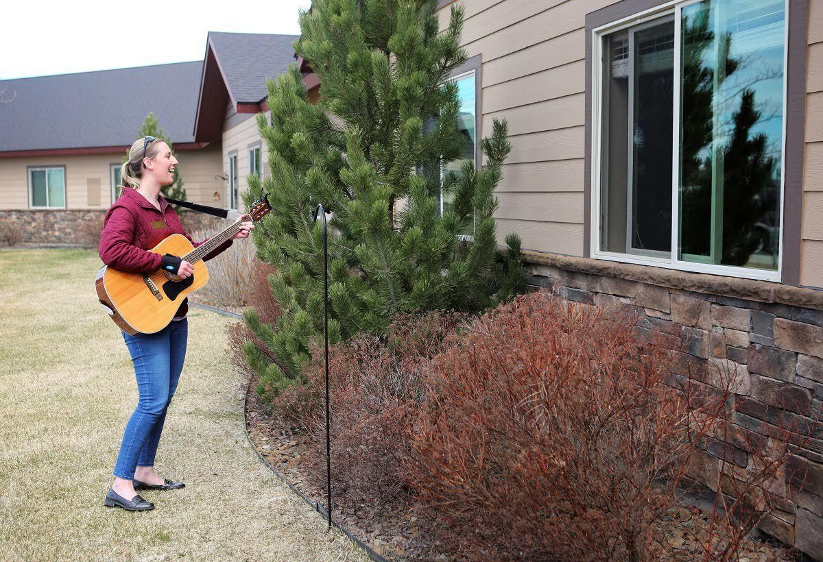Music helps cheer assisted-living residents