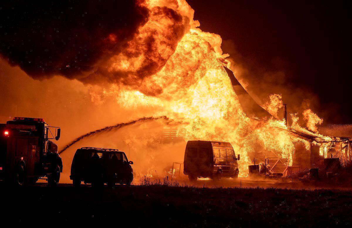 Fire destroys shop