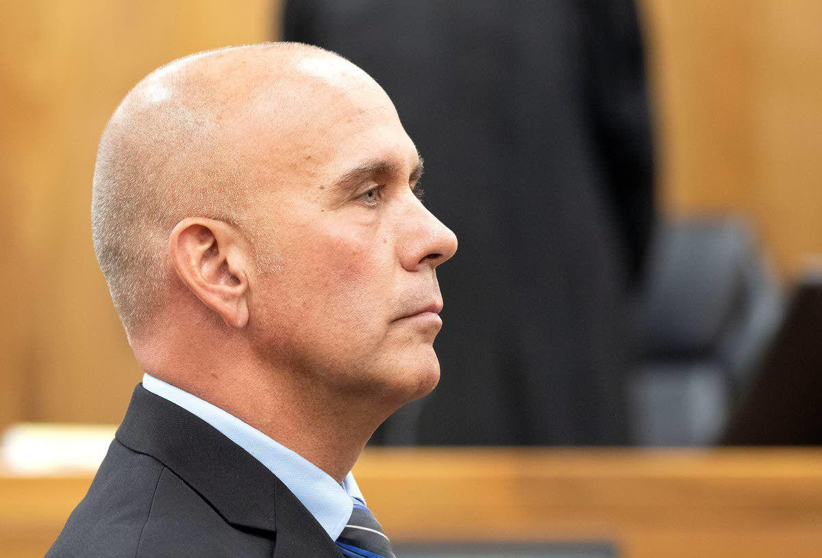 Officers discuss cameras, protocol at former Pullman sergeant's trial