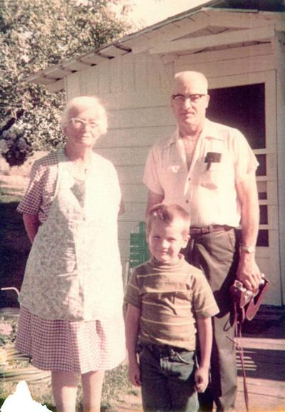 Blast from the Past / 1970: Visiting great-grandma in Deary