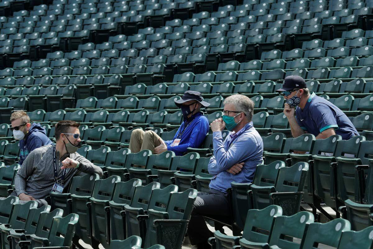Mariners' Mather steps down after video comments