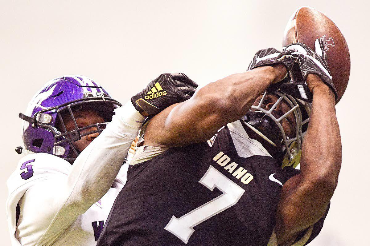 UI puts emphasis on homecoming vs. ISU