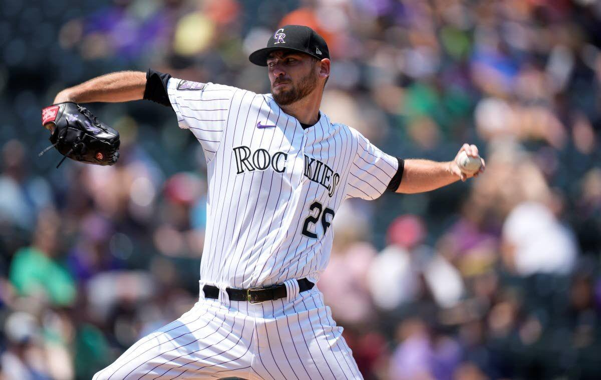 Gomber back from IL, pitches Rockies past Mariners
