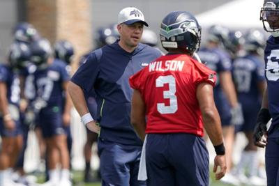 Waldron faces the heat as new OC for Seahawks