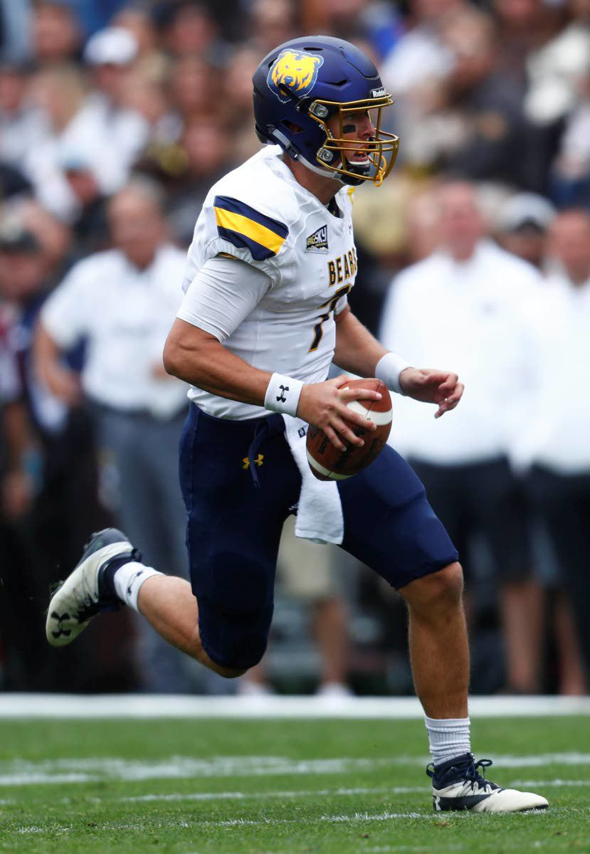 After several major injuries, Knipp still plugging away