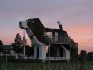 Mtv S Cribs Episode Will Feature Gigantic Beagle Building In