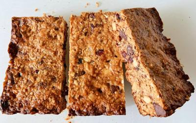 These easy homemade energy bars are good to share