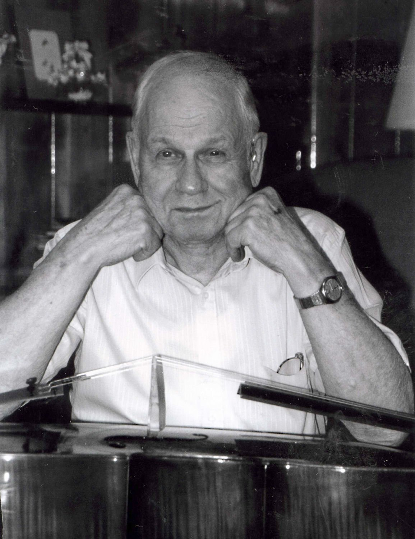 Harold Hayslett