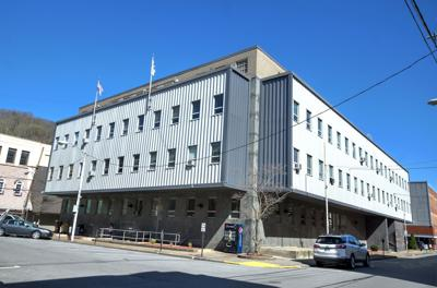 20200805-log-courthouse.jpg