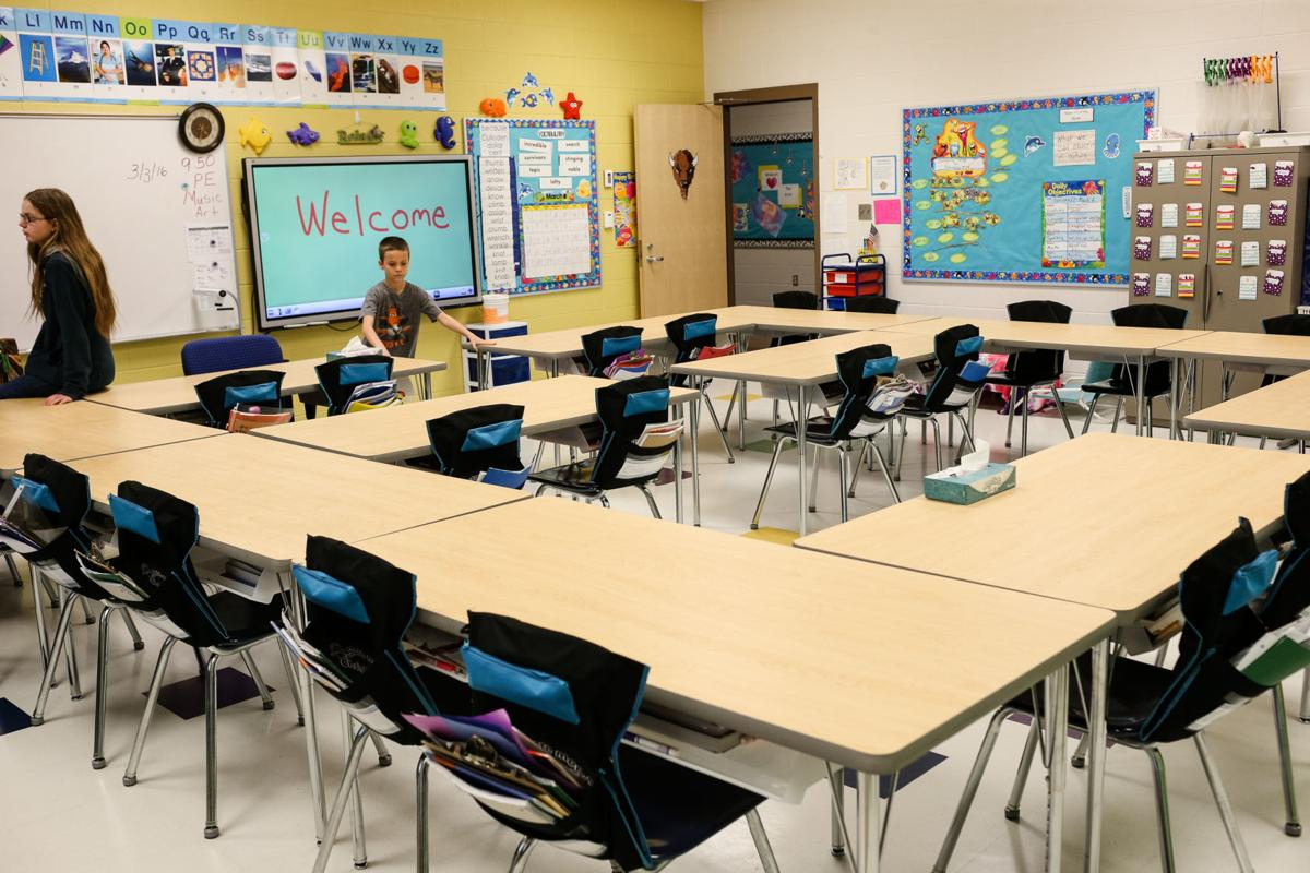 EmptyClassroom_01